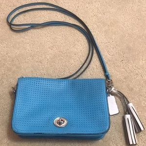 Coach leather crossbody w/remove strap